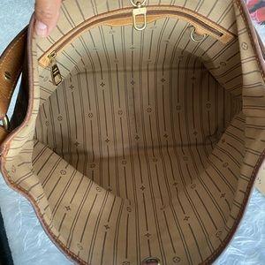 Louis Vuitton Bags - Authentic Louis Vuitton Delightful PM